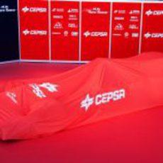 El Toro Rosso STR7 cubierto con la lona de CEPSA