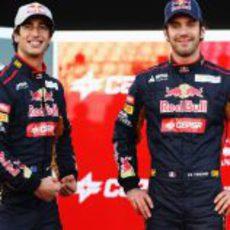 Daniel Ricciardo y Jean-Eric Vergne en la presentación del STR7