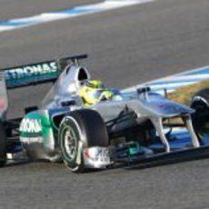 Rosberg en el Mercedes W02 en Jerez