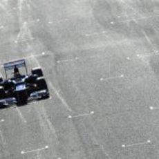 Maldonado pasa por la parrilla de Jerez