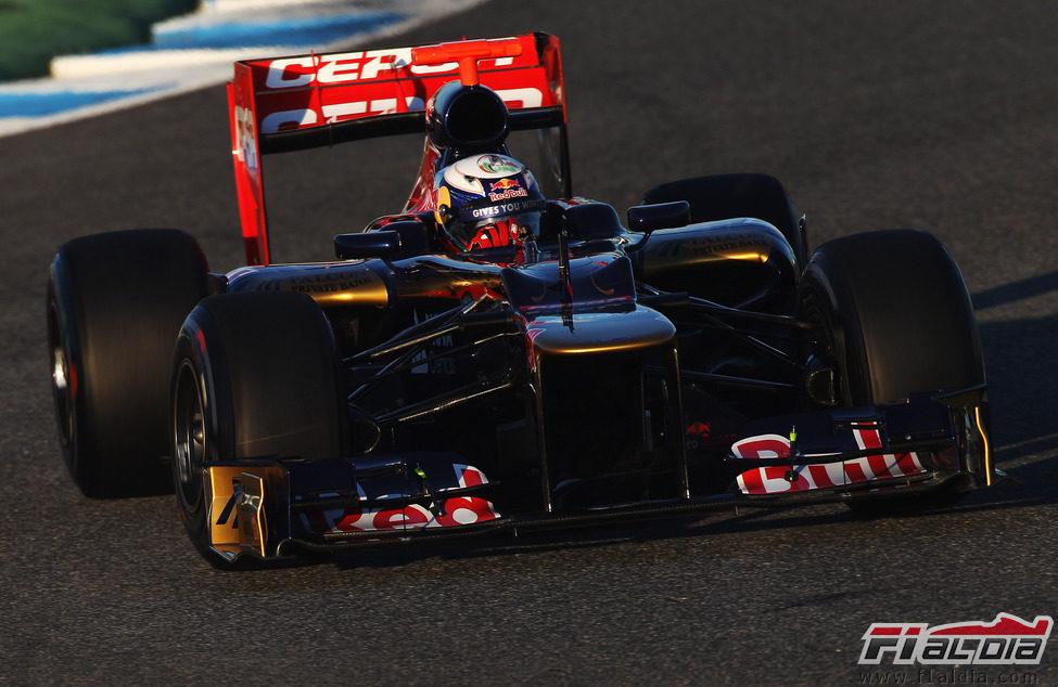 Daniel Ricciardo en el Toro Rosso