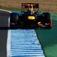Vista frontal del Red Bull RB8 en Jerez