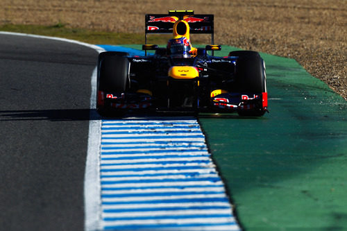 Vista frontal del Red Bull RB8 en Jerez
