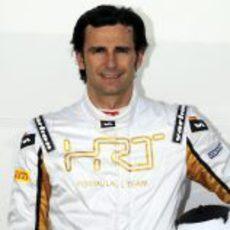 Foto oficial de Pedro de la Rosa con HRT