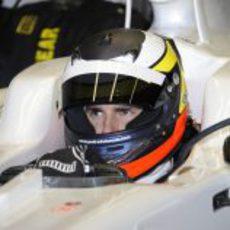 Pedro de la Rosa sentado en el HRT en Jerez
