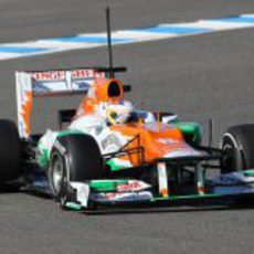 Paul di Resta con el Force India en Jerez