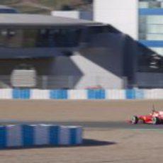 Felipe Massa rueda por segundo día en Jerez