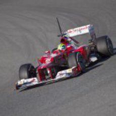 Felipe Massa con el Ferrari F2012 en Jerez