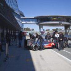 Jenson Button vuelve a boxes con el McLaren