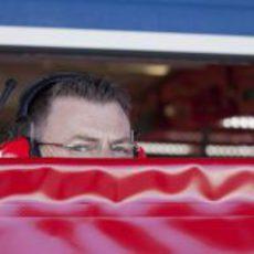 El box de Ferrari tapado en Jerez