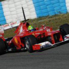 Massa con el F2012 en la pista de Jerez