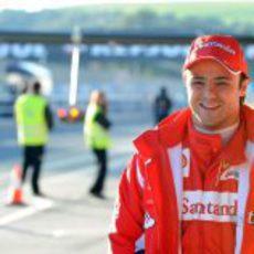 Felipe Massa en el 'pit-lane' de Jerez