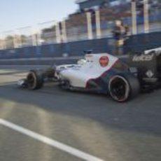 Sergio Pérez sale a pista con el Sauber C31