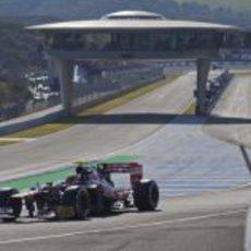 Vergne sale a pista con el Toro Rosso STR7