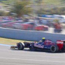 Vergne en la pista de Jerez con el STR7