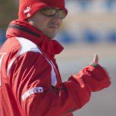 Felipe Massa abrigado en el circuito de Jerez