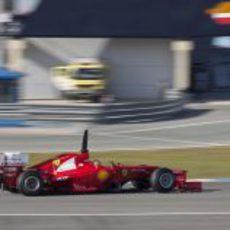 Alonso rueda en Jerez con el F2012