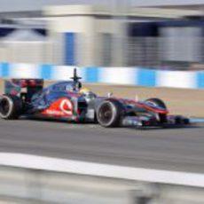 Hamilton en Jerez con su MP4-27