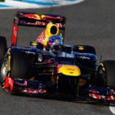 Sebastian Vettel rueda con el Red Bull en Jerez