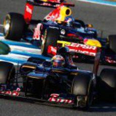 Vergne seguido por Vettel en Jerez