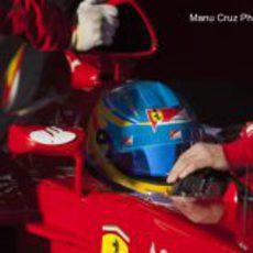 Plano cercano de Fernando Alonso en el Ferrari