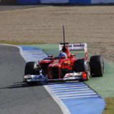 Alonso al límite con el F2012 en Jerez