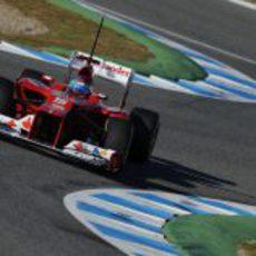 Fernando Alonso en el Ferrari en Jerez