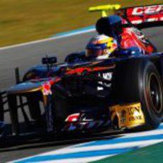 Jean-Eric Vergne rueda con el STR7 en Jerez