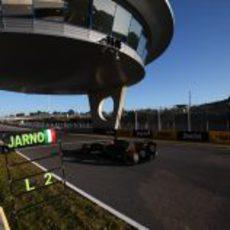 Trulli sale a la pista de Jerez