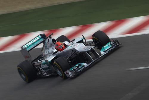 El Mercedes W03 en acción en Montmeló