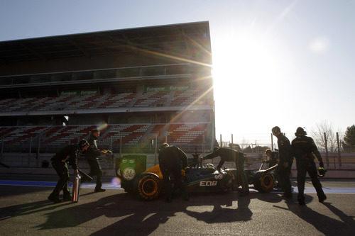 Kovalainen vuelve a boxes con el Caterham