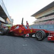 Alonso sale a pista en los test de Barcelona