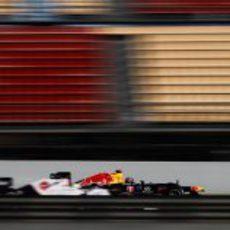 Vettel adelanta a Sergio Pérez en Barcelona