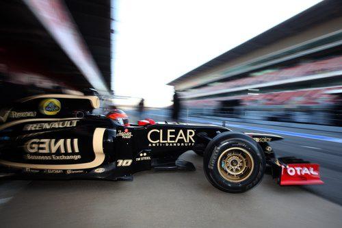 Grosjean sale a pista con el Lotus