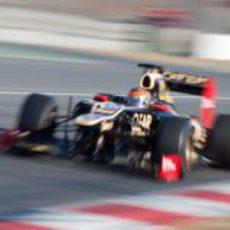 Romain Grosjean a toda velocidad en el Lotus