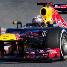 Sebastian Vettel en acción en los test de Barcelona