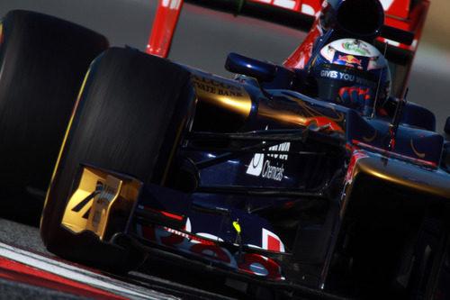 Ricciardo se acerca con el Toro Rosso