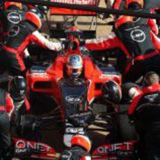 Cambio de neumáticos para el Marussia de Charles Pic