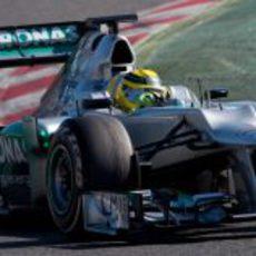 Plano corto de Rosberg en el W03