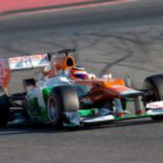 Hülkenberg con el Force India en los test de Montmeló