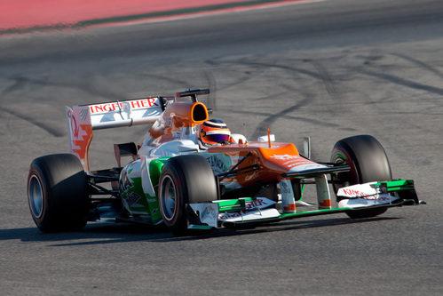 Hülkenberg con el Force India en los test de Montmeló