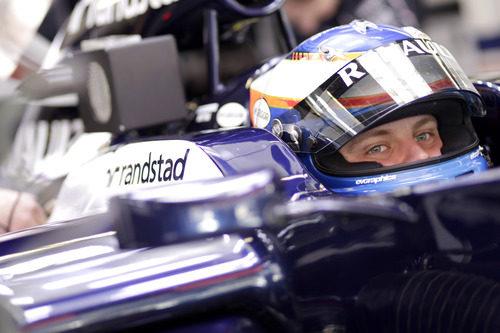 Valtteri Bottas sentado en el Williams en Montmeló