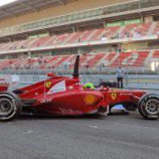 Felipe Massa sale a pista con el Ferrari F2012