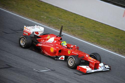 Felipe Massa en la recta del circuito de Montmeló