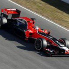 Glock con el Marussia de 2011 en Barcelona
