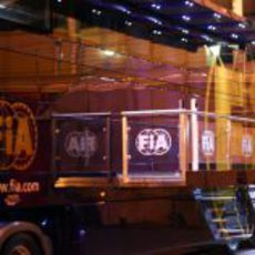 Camión de la FIA en los test de Barcelona