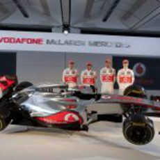 Paffett, Hamilton, Button, Turvey y el MP4-27