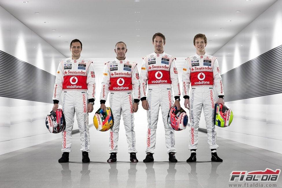 Gary Paffett, Lewis Hamilton, Jenson Button y Oliver Turvey