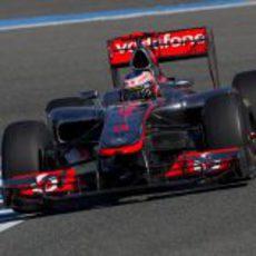 Button rueda con el McLaren en Jerez