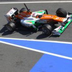 Di Resta sale de boxes con el Force India